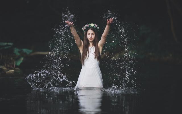 Вода - одна из главных стихий в ночь на Ивана Купала
